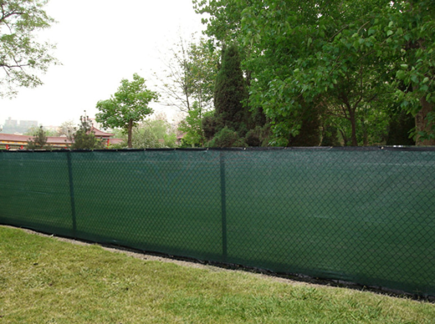 Fence windscreen knitted privacy screen 85 blockage for Green privacy fence ideas